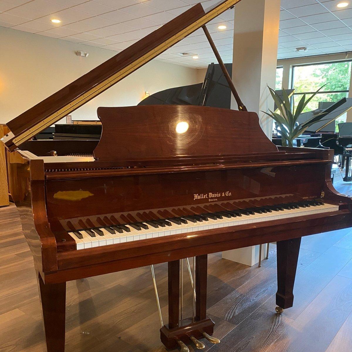 Hallet, Davis & Co. 5'3 Grand piano
