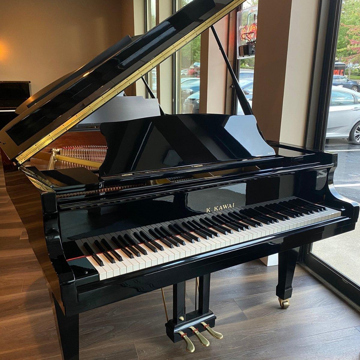 SOLD - Kawai 5'5 RX1 Grand Piano