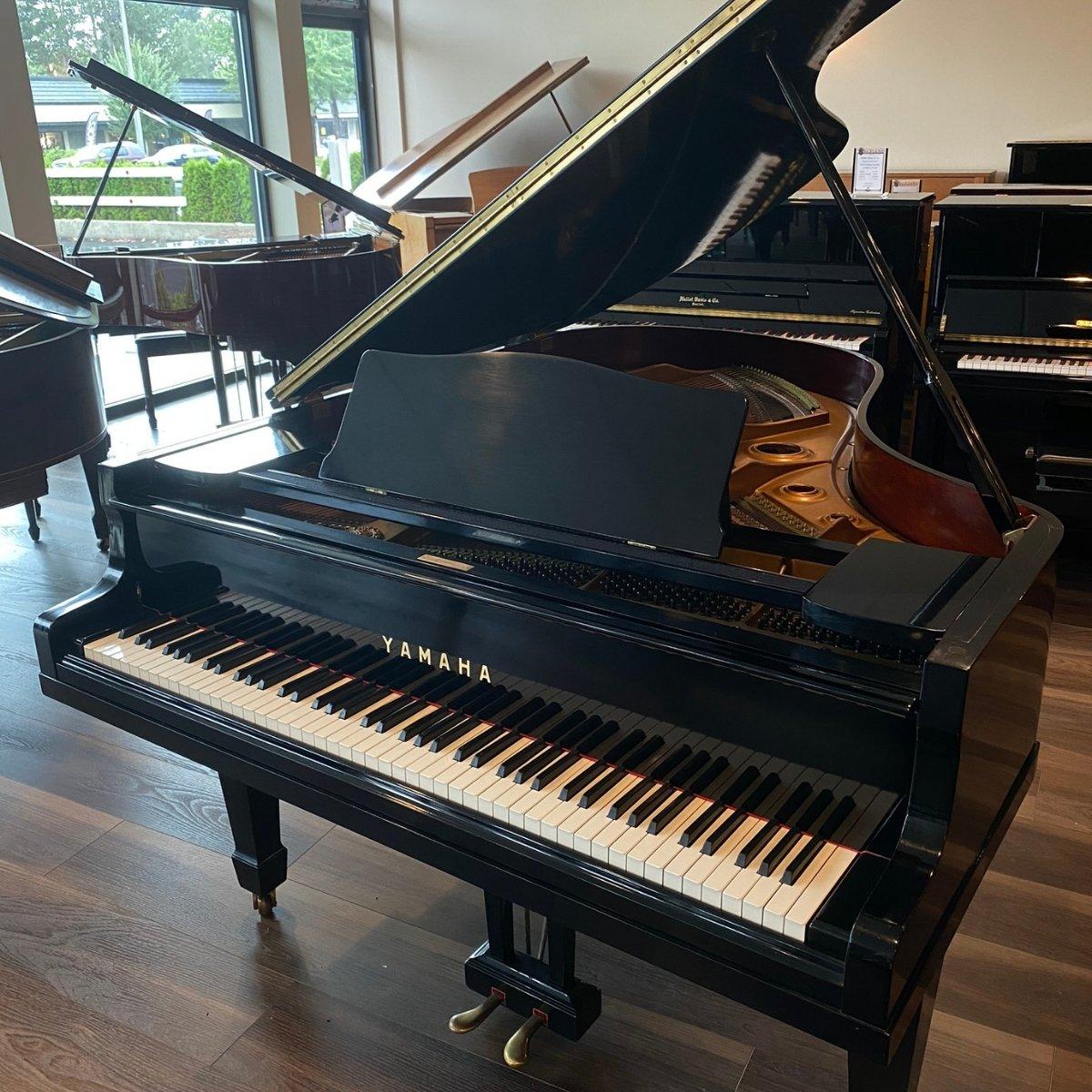 Yamaha 5'7 Model G3- Grand Piano