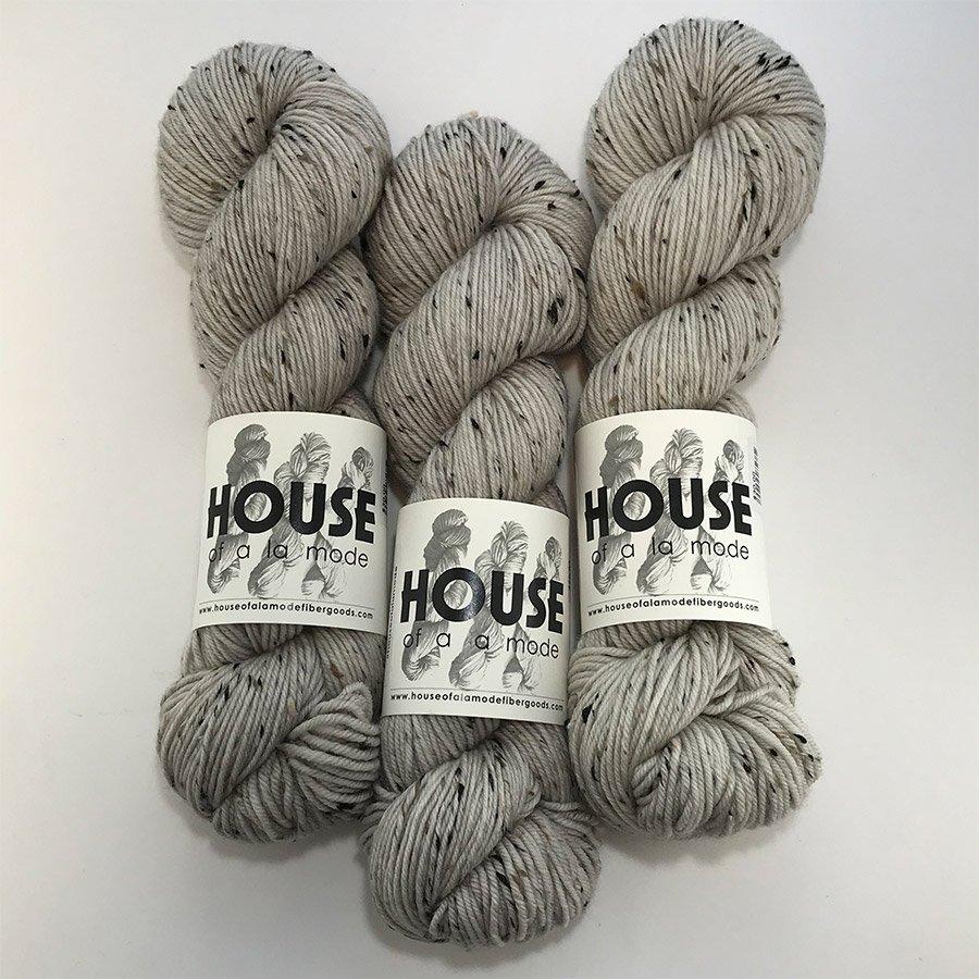 House Of A La Mode Tweed DK - Bunny