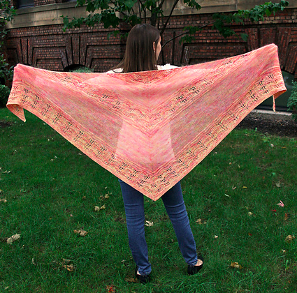 Grapefruit Shawl by Gabrielle Imbault
