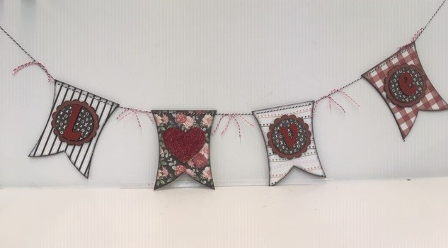 Foundations Decor-Love Banner with Paper