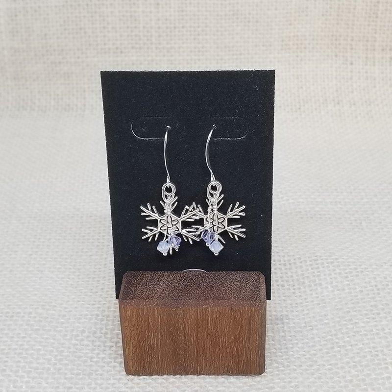 37-Festive Holiday Earrings
