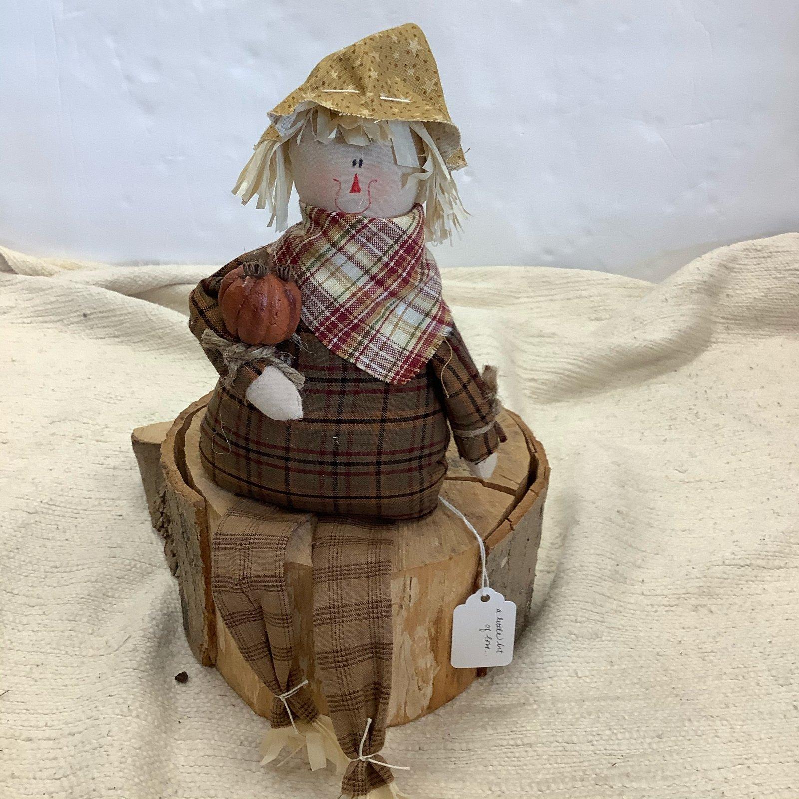 14-Gus Scarecrow  (sitting)