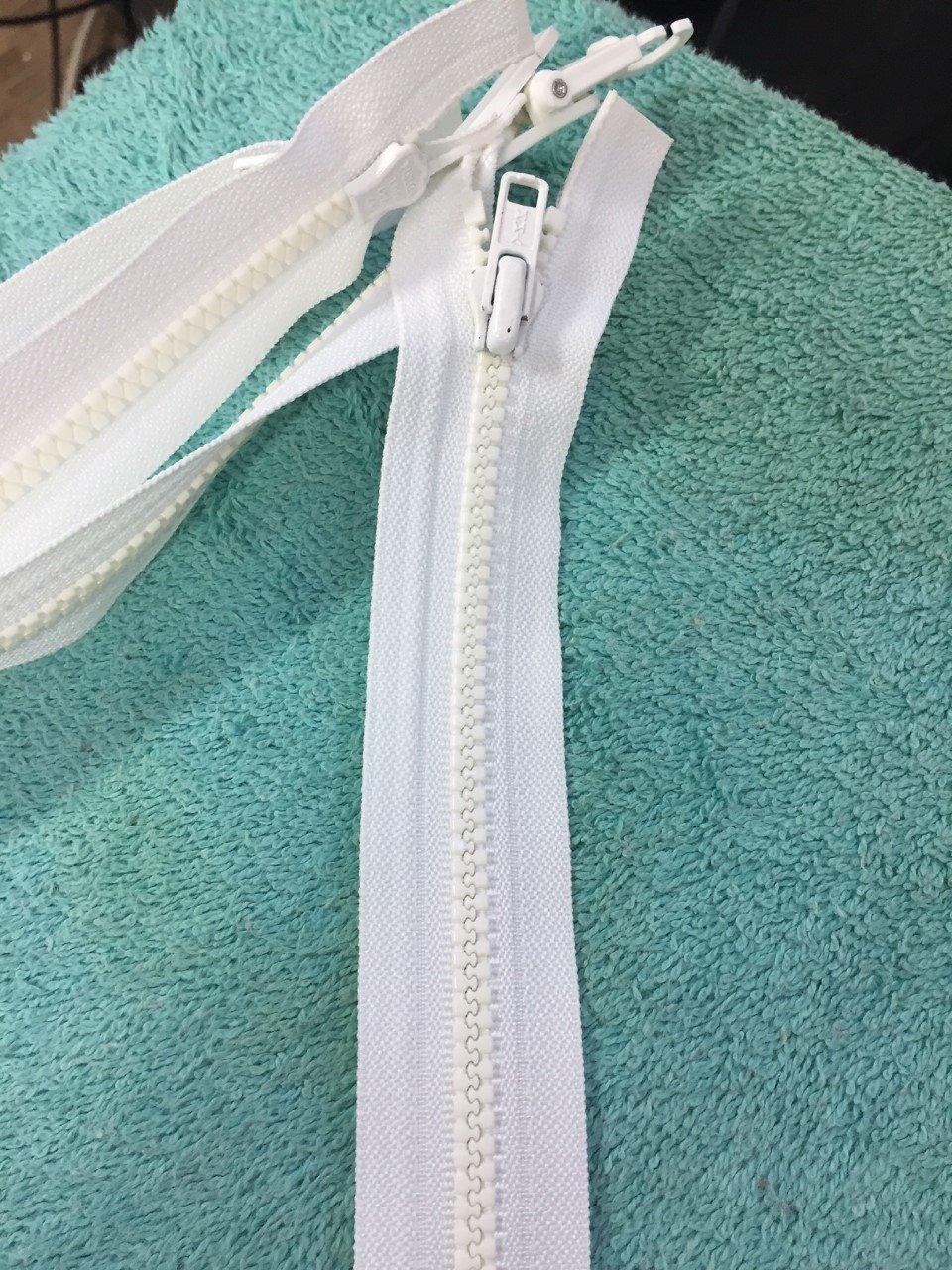 19 White Plastic Coil Zipper