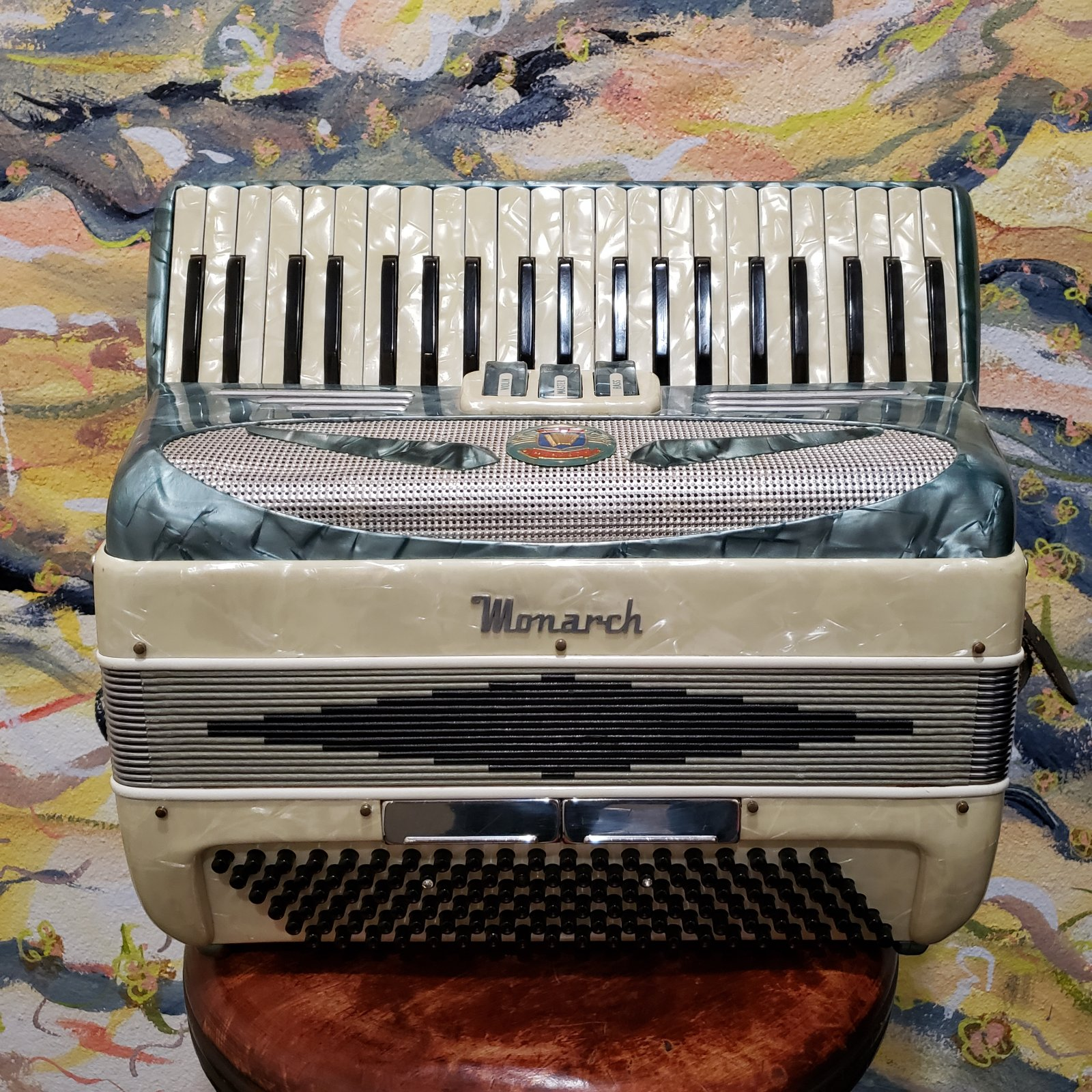 Monarch Vintage Keyboard Accordion w/Hard Case (Made in Italy) (Used)