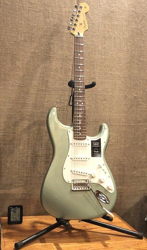 Fender Player Stratocaster Pau Ferro Fingerboard Sage Green Metallic