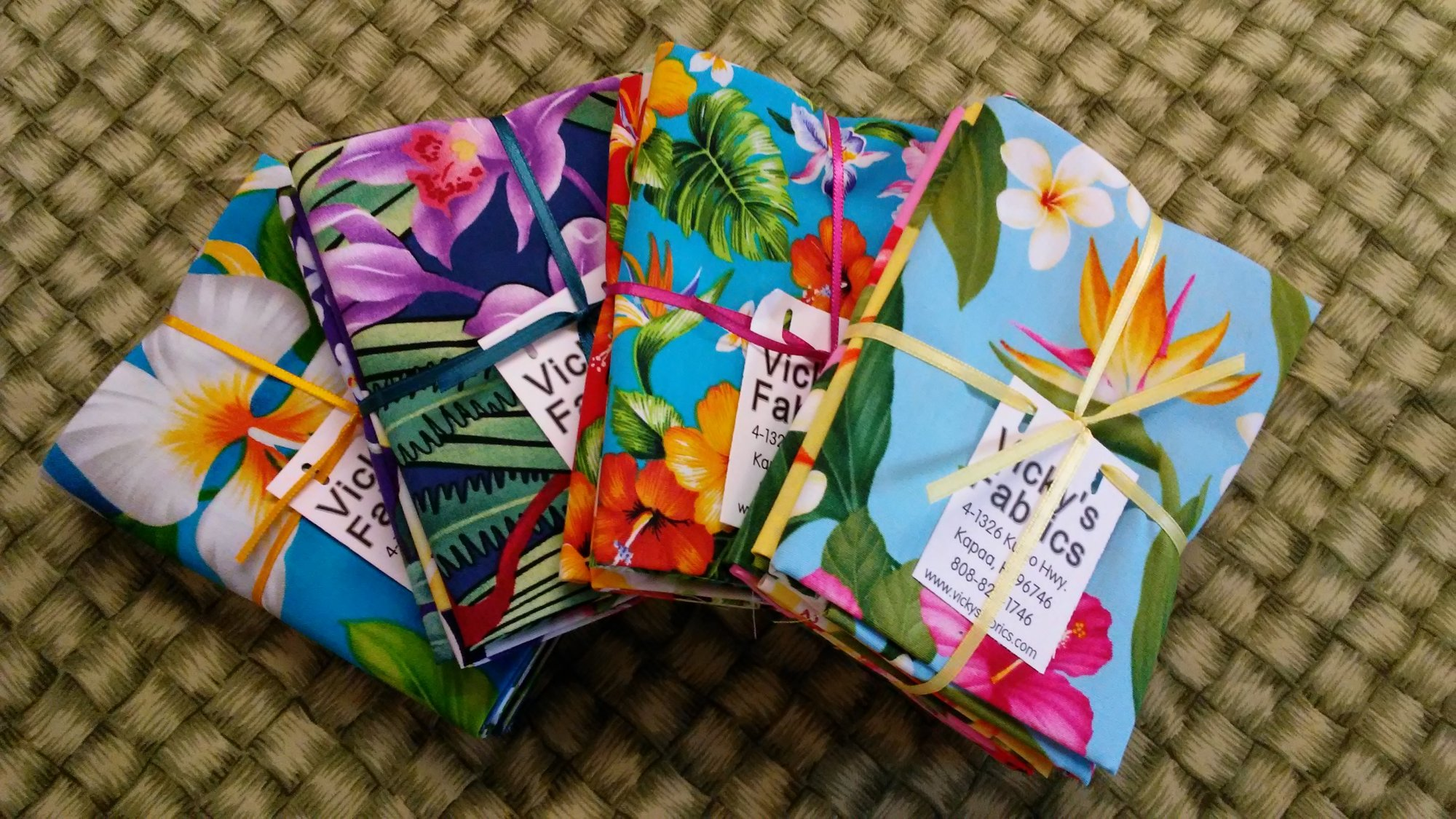 Hawaiian Floral Fat Quarter Bundle of Twelve