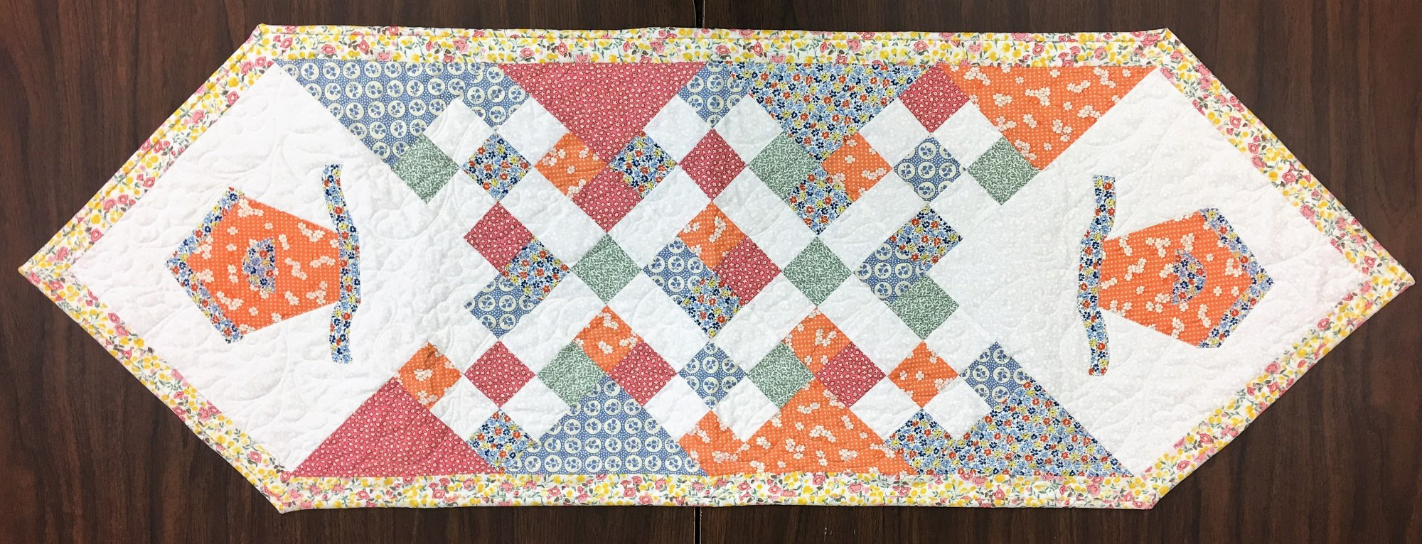 Birdhouse - Quilted Table Runner
