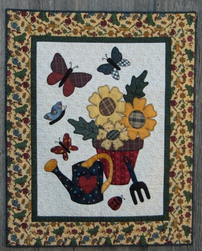 Butterfly Spring, Fusible Applique Wall Hanging by Christine Baker for Fairfield Road Designs : 1001