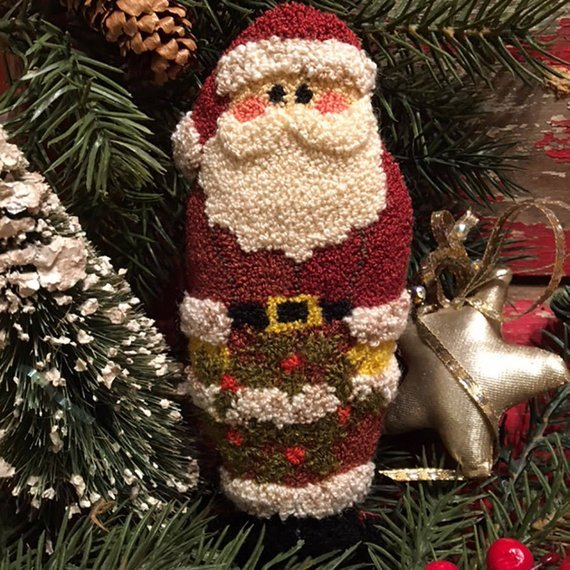FTC Holly Wreath Santa Punchneedle #462