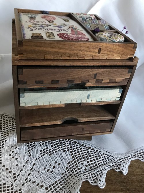 JD Shadow Box Keep Rotating 4 Bay Tray Tower With Show Top