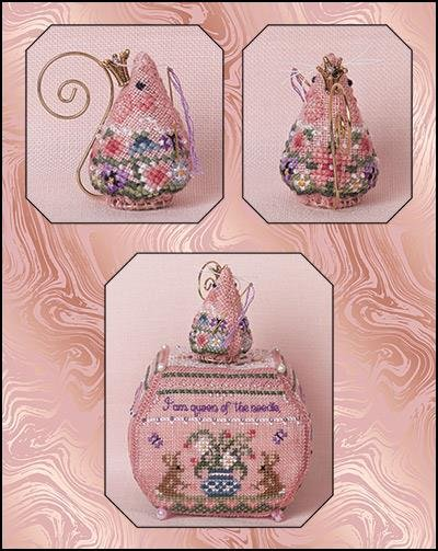 JN Queen of the Needle Mouse LE Ornament