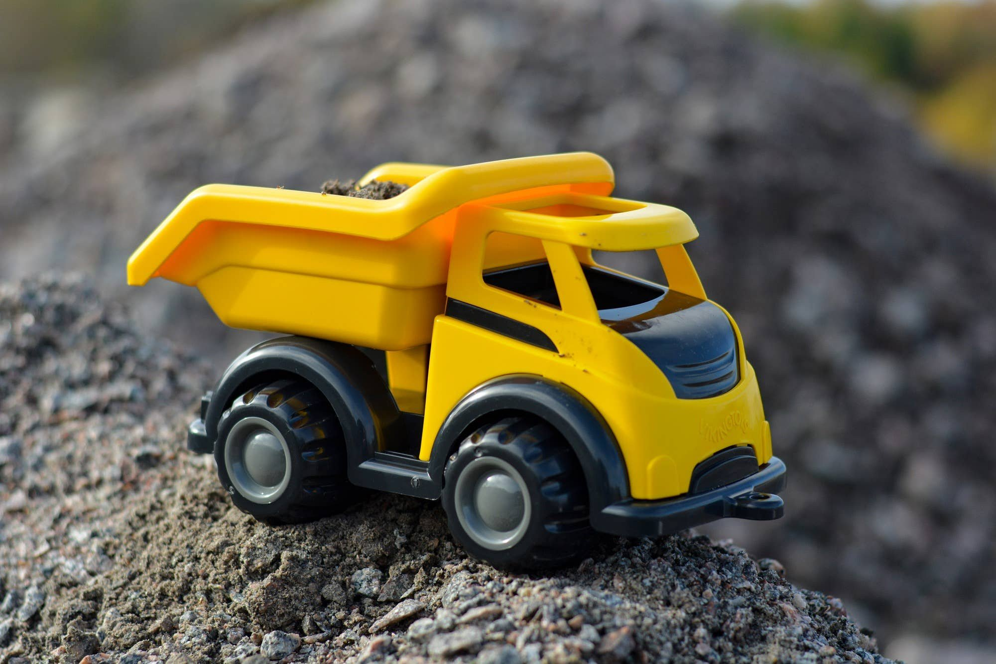Viking Toys Mighty Tipper Truck