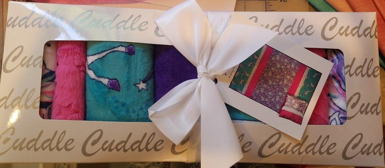 Shannon Unicorn Cuddle Kit CKSENSTRIPS Stardust 38 X 58 $40.98/each kit