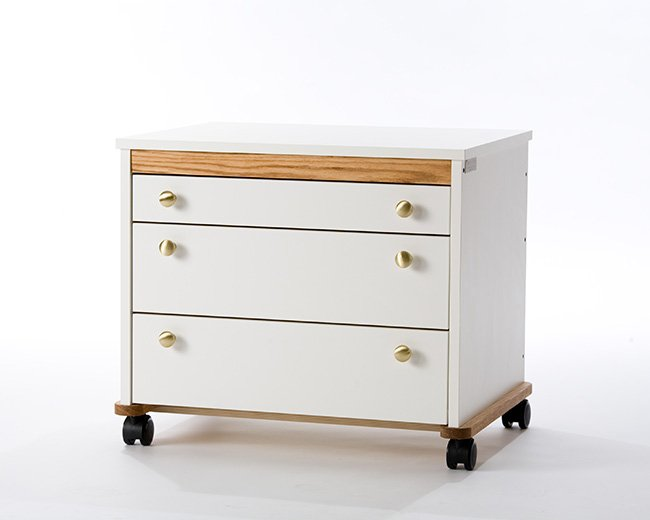 Tracey's Tables Long Arm Storage System features a variety of drawer configuations