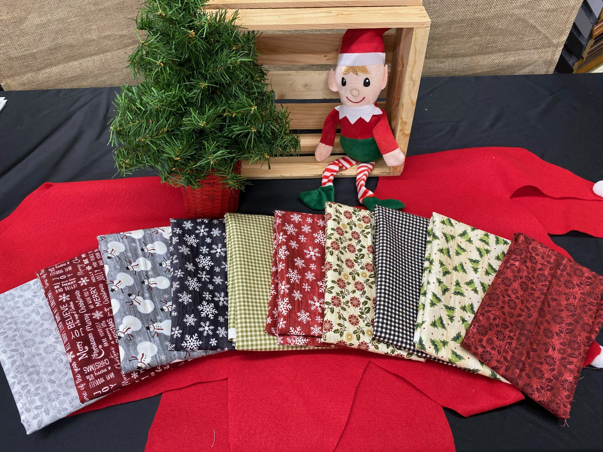 Rustic Village Christmas Fat Qtr Bundle #1