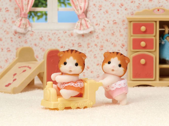 Maple Cat Twins by Calico Critters
