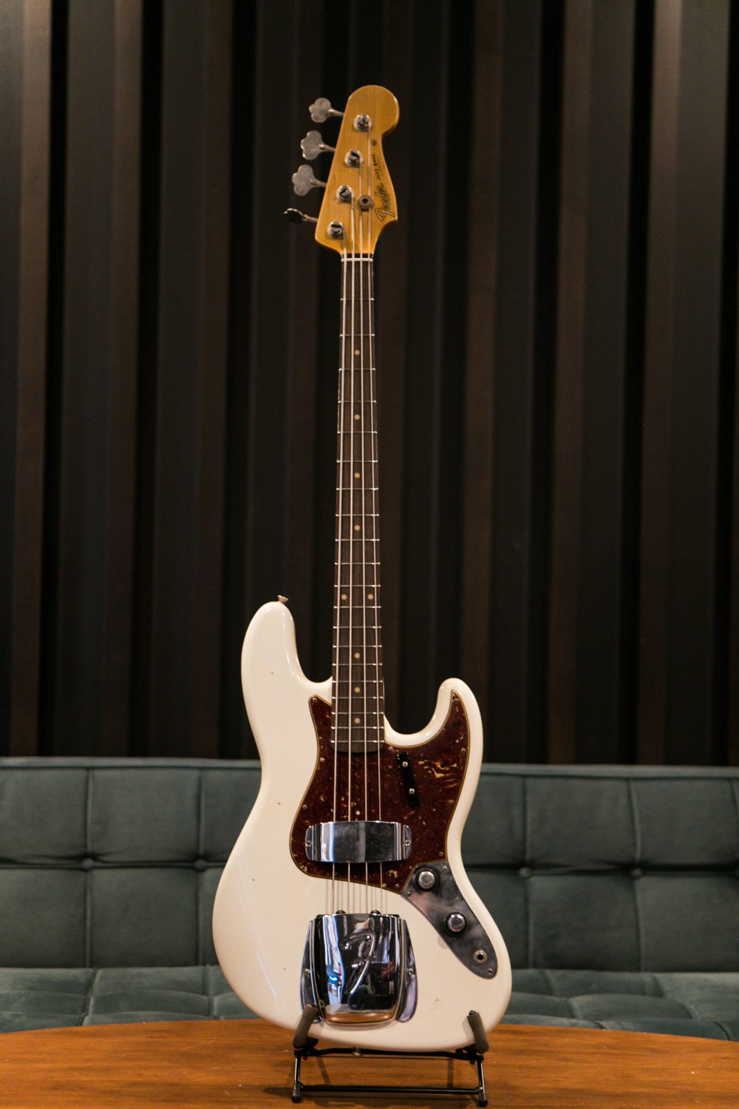 Fender Custom Shop Time Machine 1960 Jazz Bass Journeyman Relic - Aged Olympic White