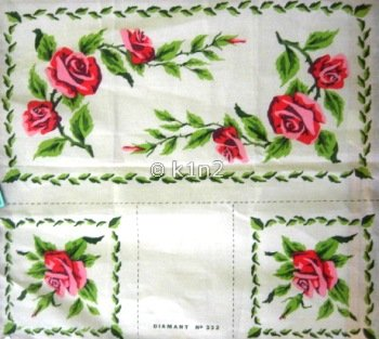 Roses Runner w Two Napkins by Diamant-DIA35.332