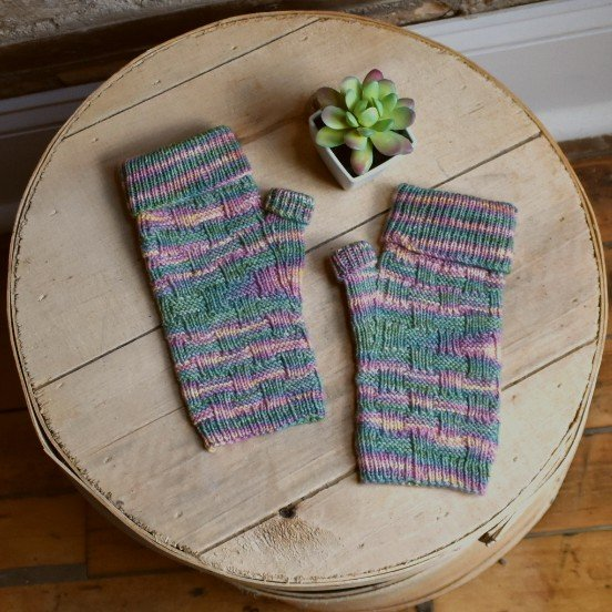 Rose Acre Mitts - pattern download