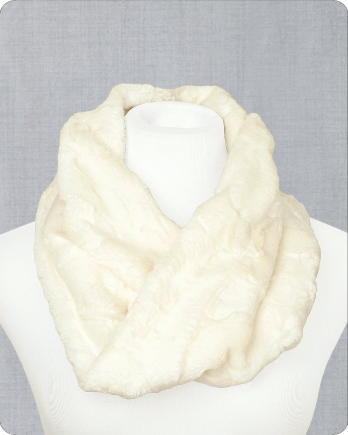 Infinity Scarf Cuddle Kit - Hide Natural