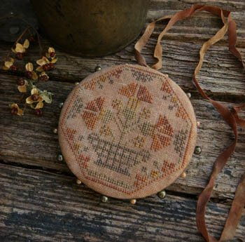 Quaker Carnations Pinwheel ~ Threadwork Primitives