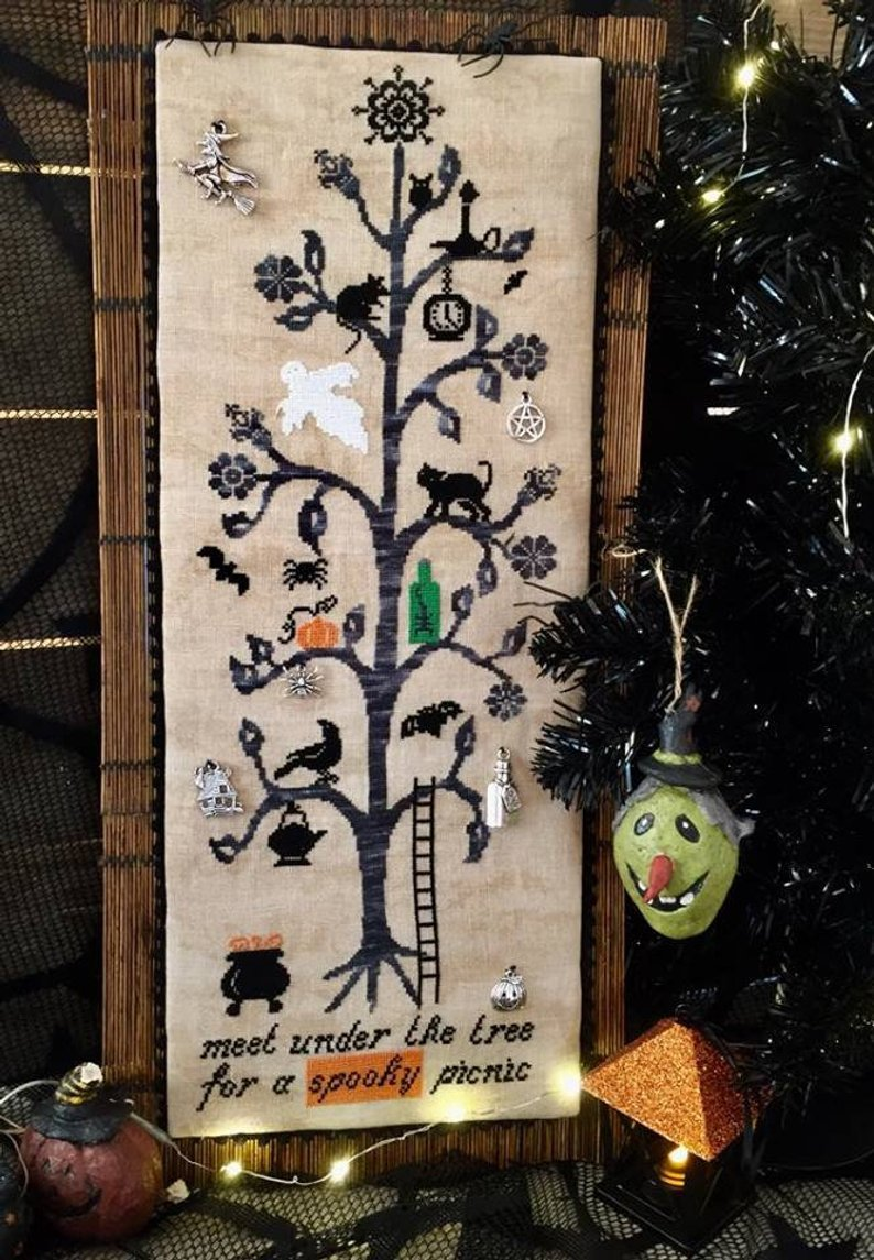 Meet Under the Tree ~ Rovaris