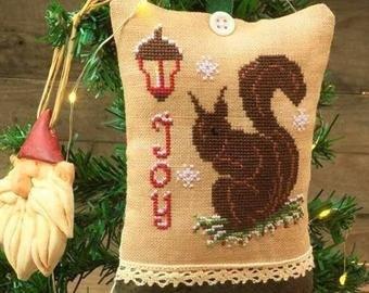 Squirrel Joy ~ Rovaris