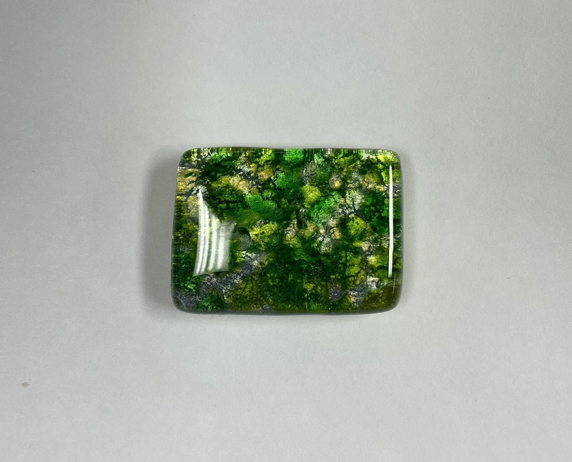 fused glass needleminder, green 251