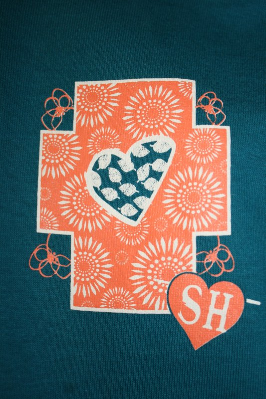 Swinging Hearts - Golly Beauty Shirt