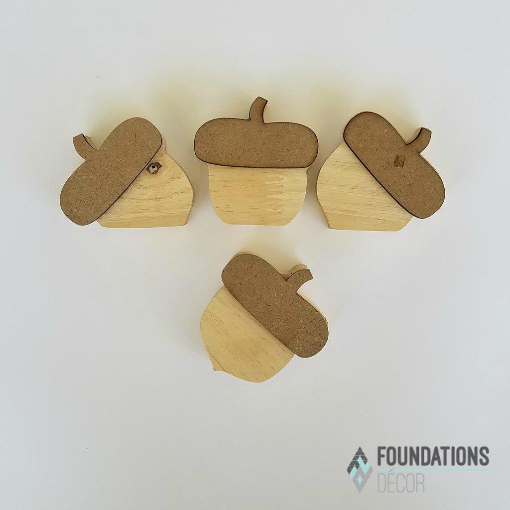 Foundations Decor- Acorns for Barrel