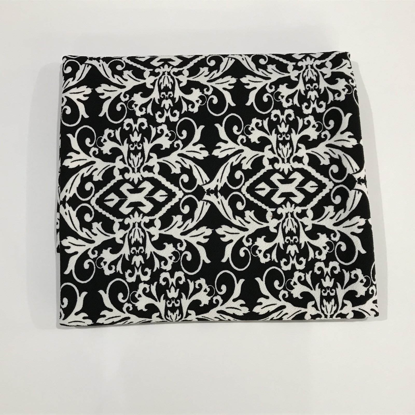 Liverpool - Abstract Black/White - 2 yards