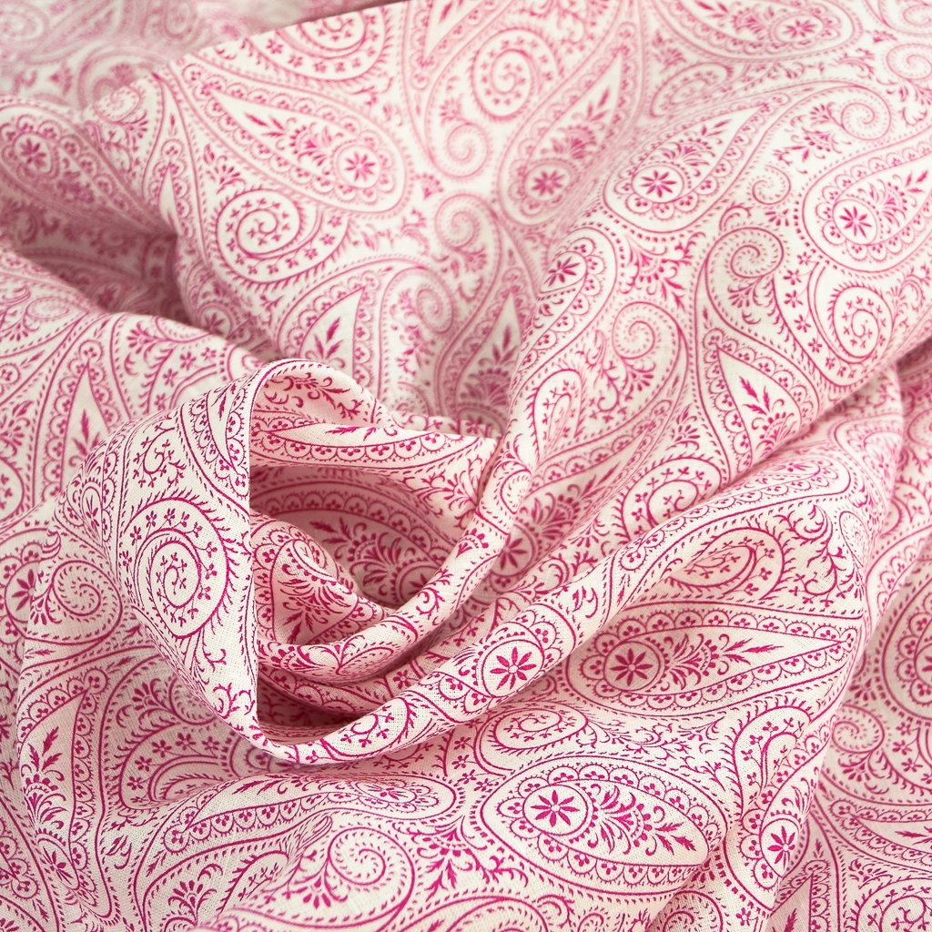 Linen - Raspberry Paisley on White