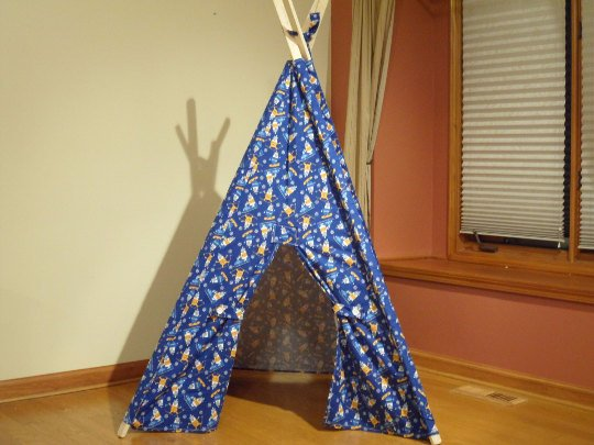 Skiing Polar Bear Print Play Teepee Tent Ready to Ship
