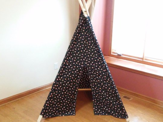 Orange Dot Play Teepee Kids Tipi, play house, kids fort Play Tent Ready to Ship Teepee