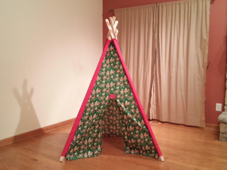 Christmas Print Muslin Play Teepee Tent Ready to Ship