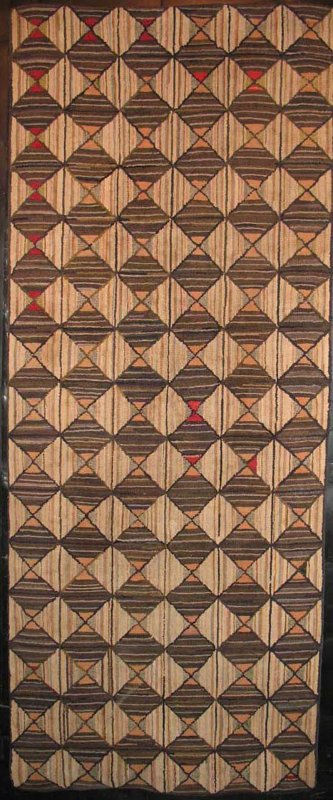 BOWTIE DIAMONDS ANTIQUE HOOKED RUG RUNNER