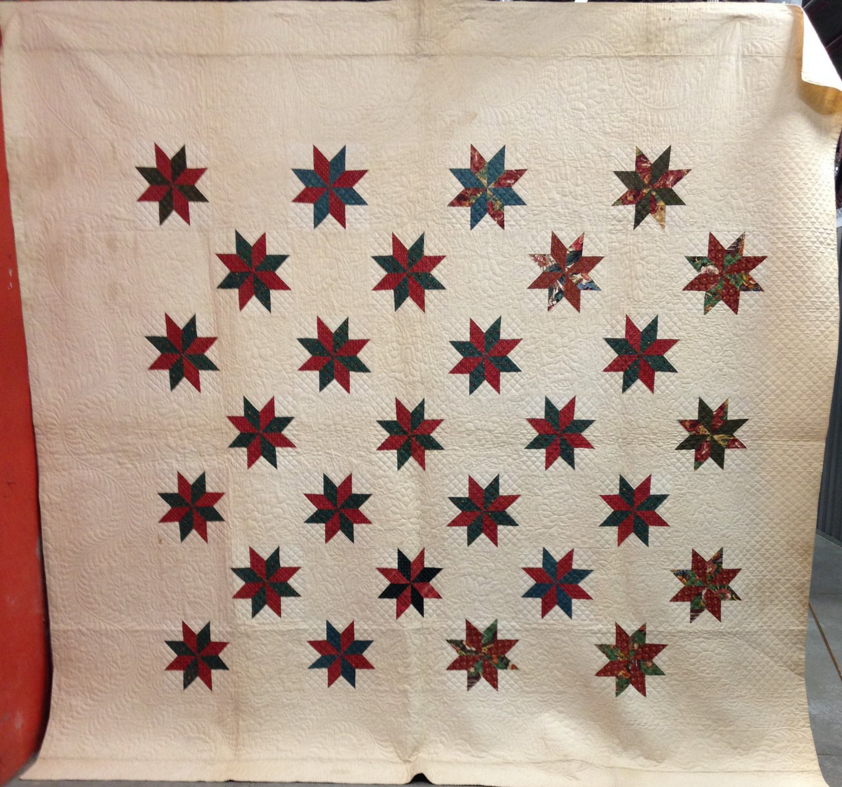 28 EIGHT POINT STARS ANTIQUE QUILT