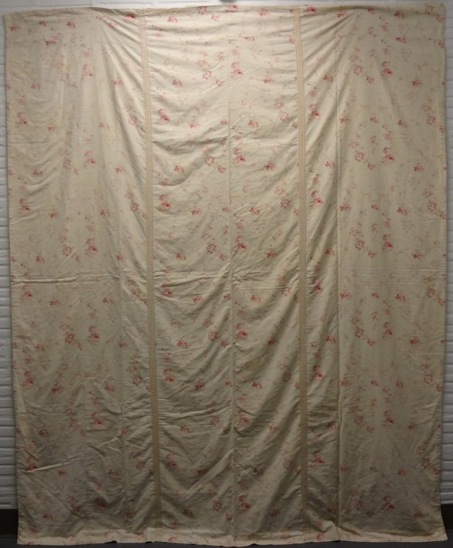 WHOLE CLOTH FRENCH PALE ROSES PRINTED 3 PANEL LARGE QUILT