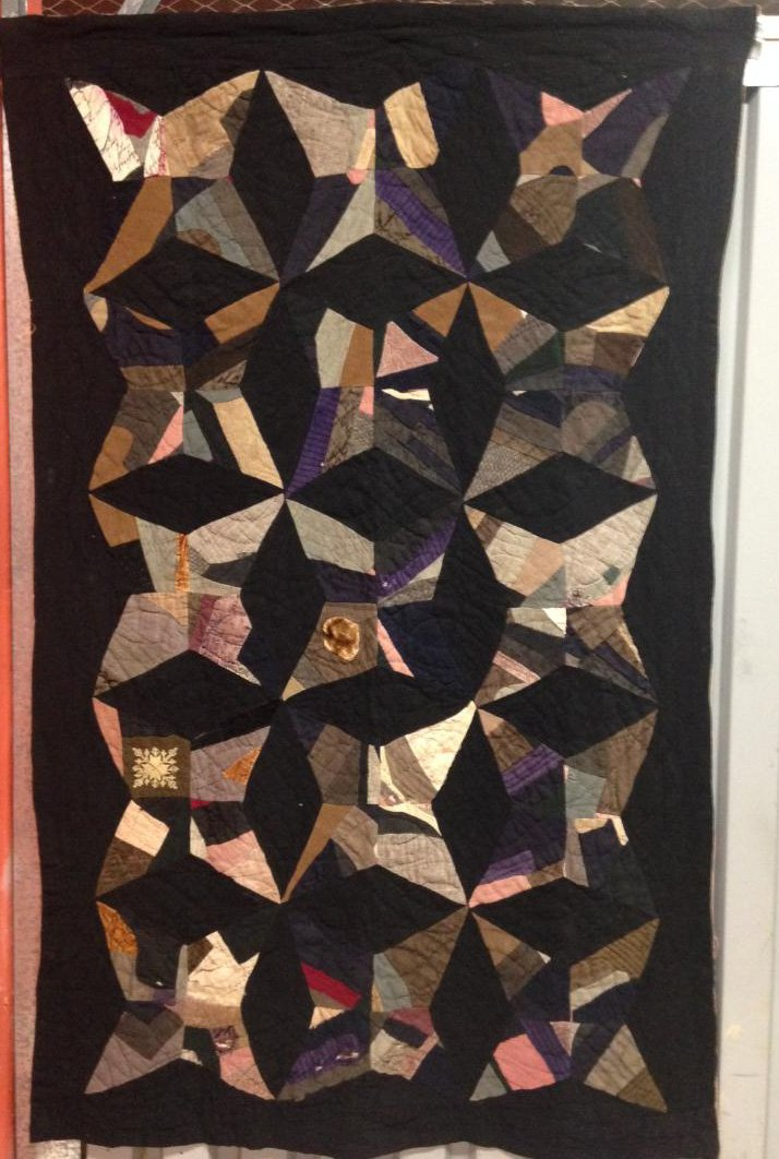 AFRICAN AMERICAN FOUR POINT OR KITE ANTIQUE QUILT