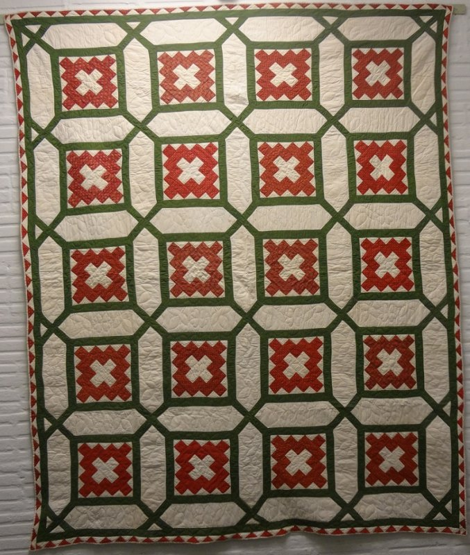 ALBUM PATCH IN A GARDEN MAZE ANTIQUE QUILT