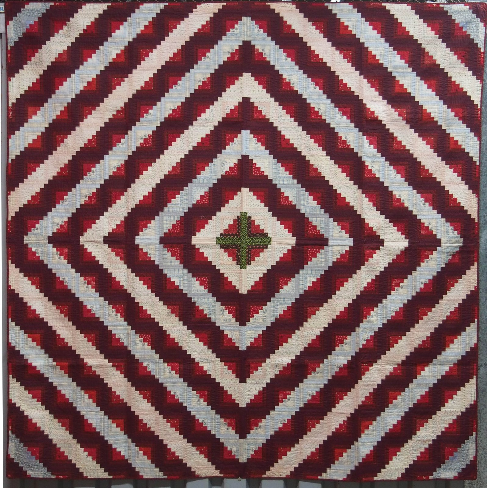 LOG CABIN BARN RAISING ANTIQUE QUILT only prints in reds and whites