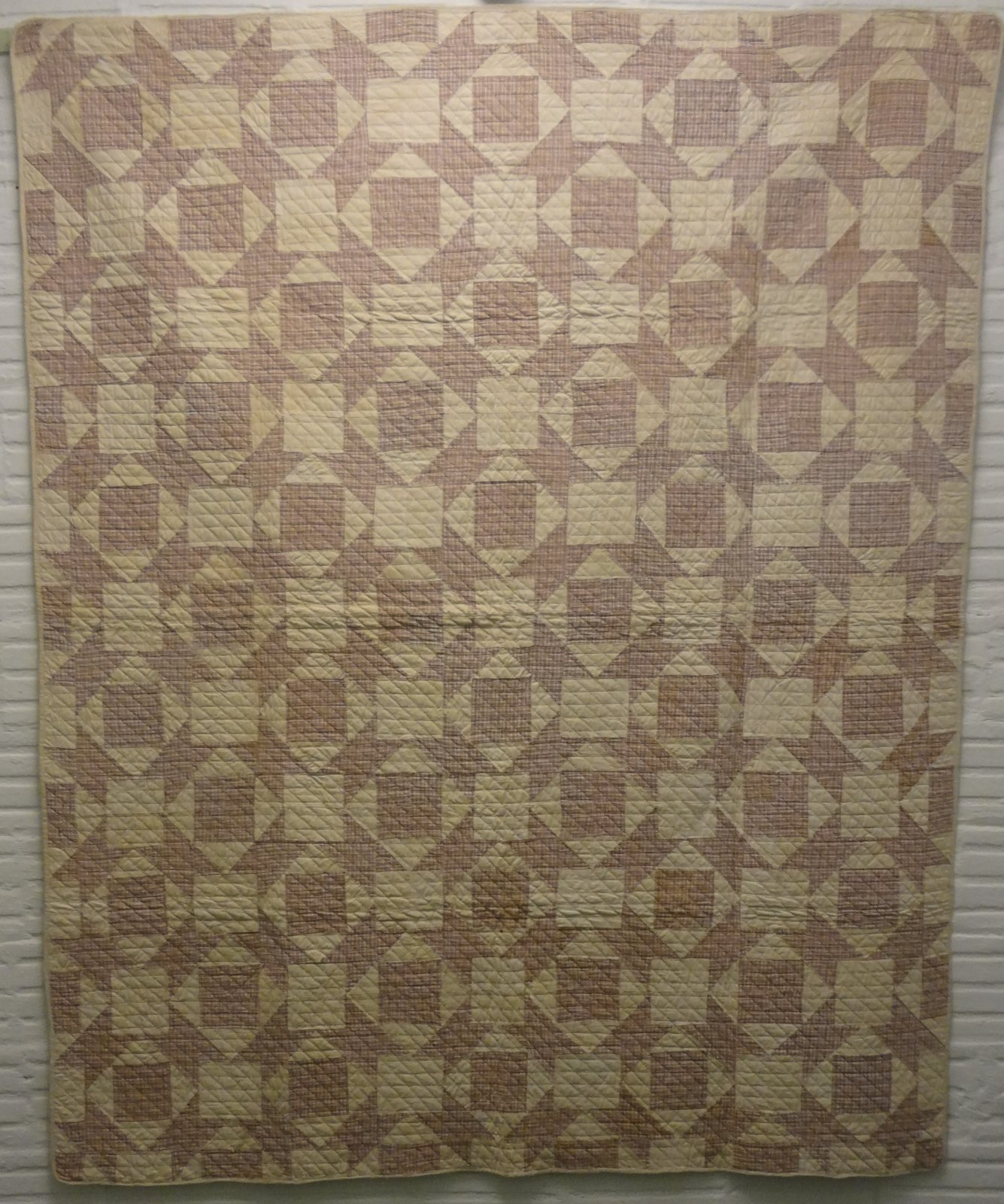 BOTCH HANDLE or ANVIL LAVENDER PLAID ANTIQUE QUILT