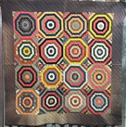 BULLS EYE ANTIQUE PIECED QUILT