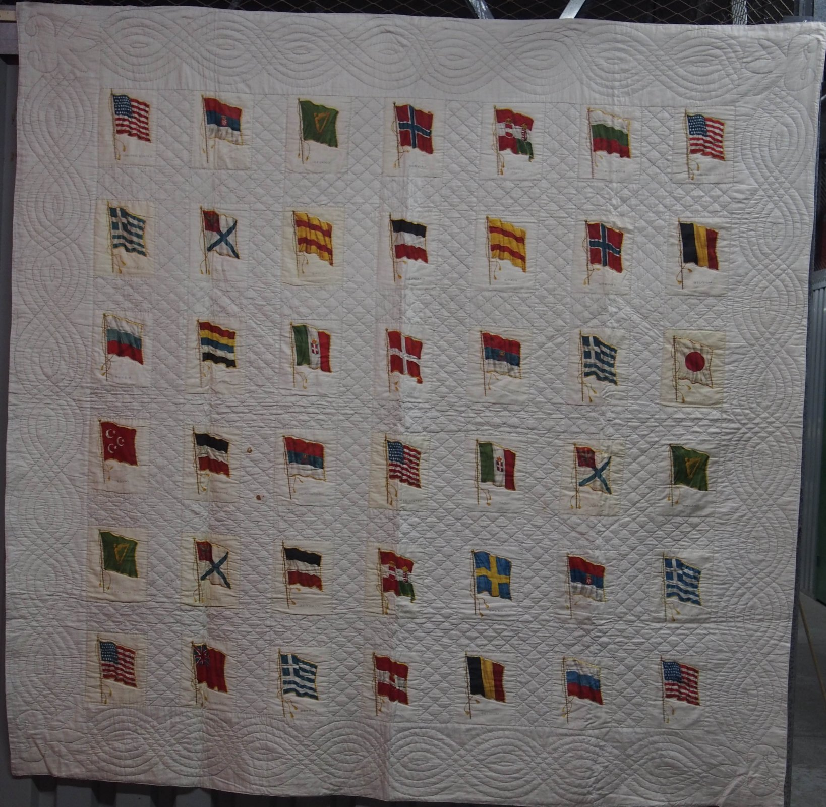 FLAGS OF THE WORLD ANTIQUE APPLIQUE QUILT