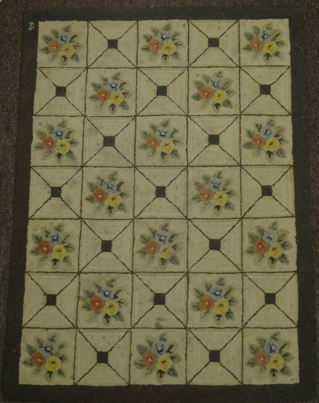 DIAMOND LATTICE FLORAL CLUSTERS ANTIQUE HOOKED RUG