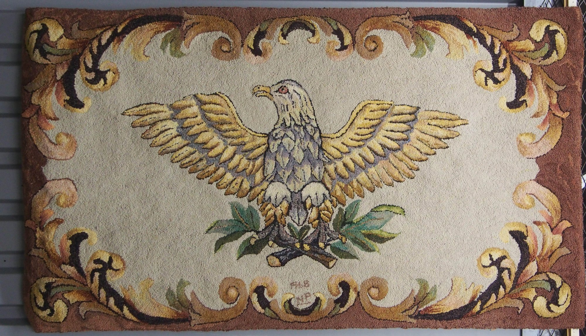 EAGLE ANTIQUE HOOKED RUG