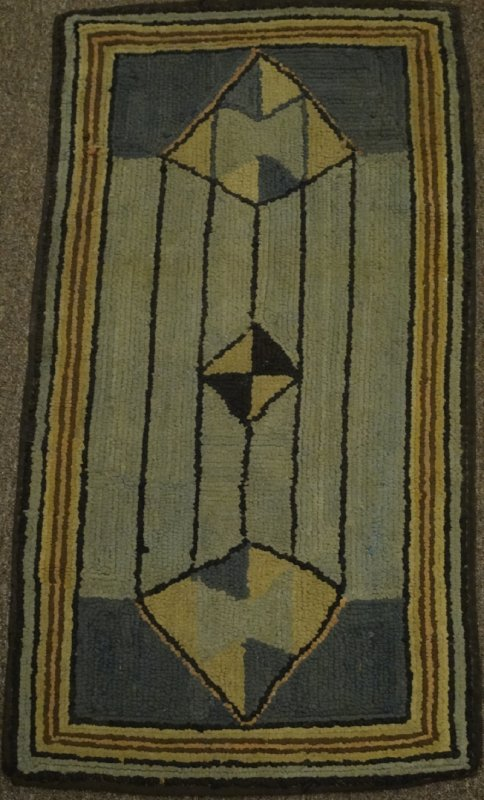 ELONGATED DIAMOND VINTAGE HOOKED RUG
