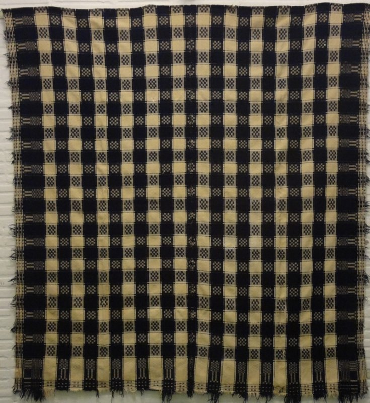 FIGURED CHECK HANDWOVEN  ANTIQUE BLANKET indigo. white